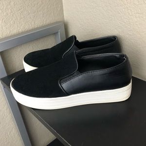 Steve Madden Gills Leather and Suede Sneakers 8.5M